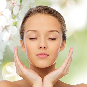 春の肌は不安定なゆらぎ肌!?春の肌トラブルには、基本の洗顔の見直しを。
